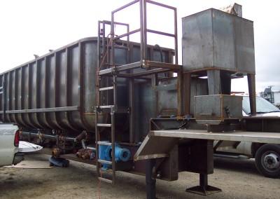 oil supply tank
